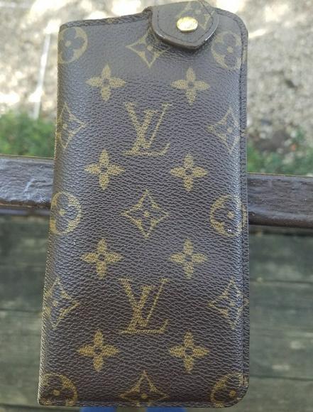 7431ce3a595d Louis Vuitton Handbags - LOUIS VUITTON SUNGLASSES CASE MM